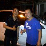 Foto Penyerahan Unit 1 Sales Marketing Mobil Dealer Daihatsu Surabaya Stefanus