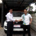 Foto Penyerahan Unit 11 Sales Marketing Mobil Dealer Daihatsu Semarang Arif