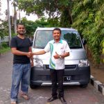 Foto Penyerahan Unit 4 Sales Marketing Mobil Dealer Daihatsu Gresik Dhani Astra