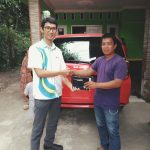 Foto Penyerahan Unit 4 Sales Marketing Mobil Dealer Daihatsu Imam