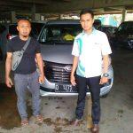 foto-penyerahan-unit-5-sales-marketing-mobil-dealer-daihatsu-bandung-asep