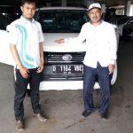 Foto Penyerahan Unit 8 Sales Marketing Mobil Dealer Daihatsu Bandung Asep