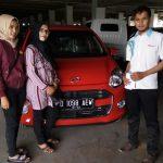 Foto Penyerahan Unit 9 Sales Marketing Mobil Dealer Daihatsu Bandung Asep