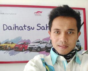 sales-marketing-mobil-dealer-daihatsu-bandung-asep