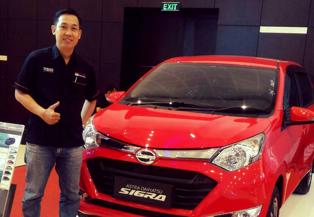 Sales Marketing Mobil Dealer Daihatsu Gresik Stefanus