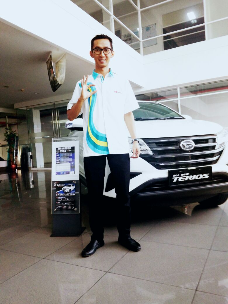 Sales Marketing Mobil Dealer Daihatsu Imam