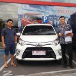 Foto Penyerahan Unit 3 Sales Marketing Mobil Dealer Toyota Jember